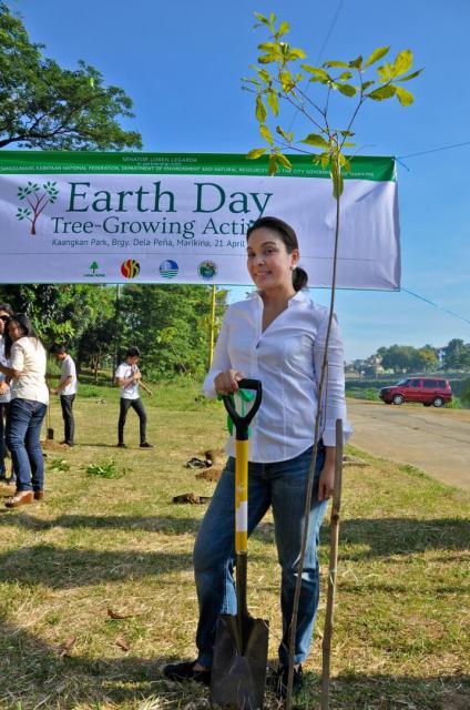 Earth Day 2012: Marikina River Tree Growing Activity