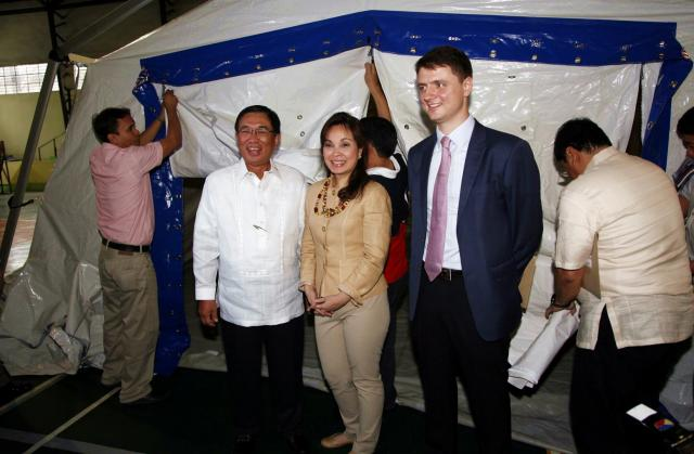 Legarda Leads Turnover Ceremony of Rapid-Deployment Tent to DOH