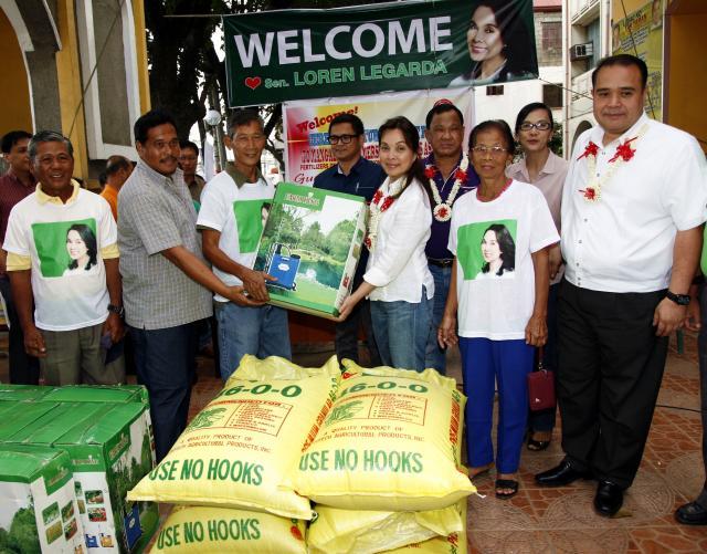 Legarda Visits Pangasinan to Support Farmers