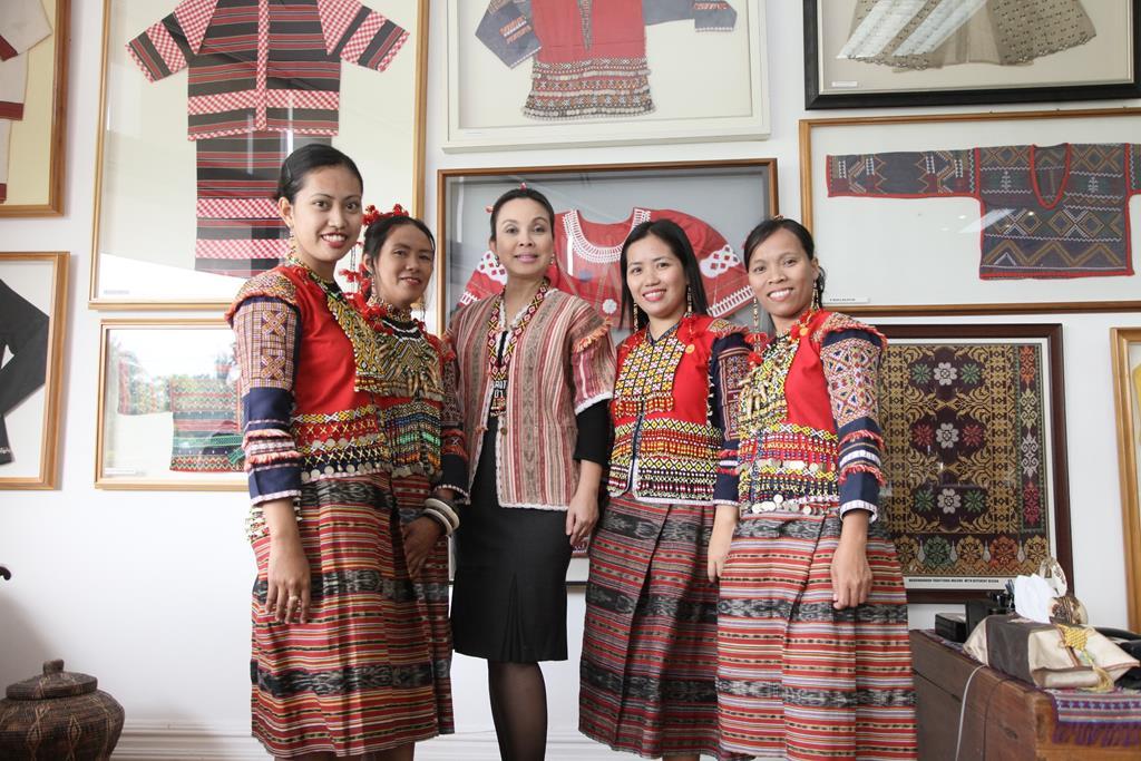 Mandaya Weavers Showcase their Craft at National Museum