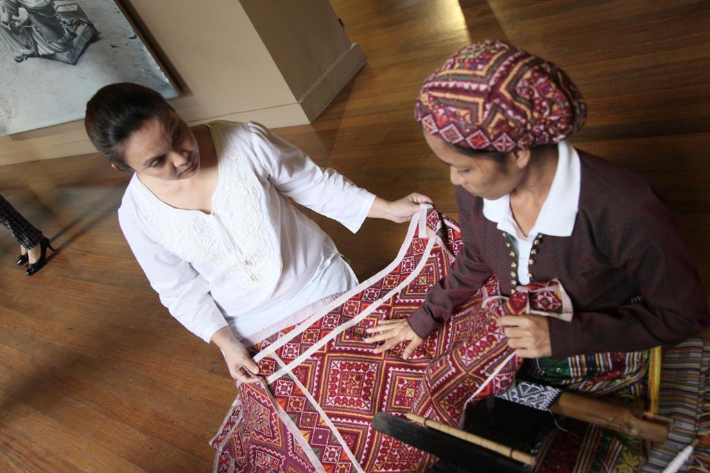 Yakan Weavers Showcase their Craft at National Museum